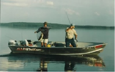 Ontario fishing resorts and lodges fly in fishing at for Ontario canada fishing resorts